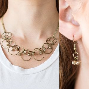 Circle Stone Necklace Set